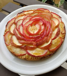 リンゴのローズケーキ